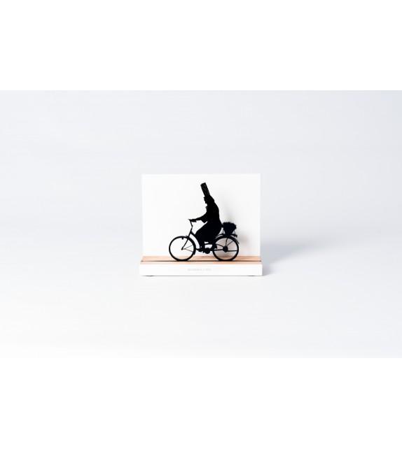 "Silhouette ""Bigoudène à vélo"""